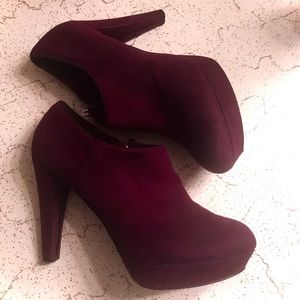 Marc Fisher 8M Faux Suede Booties Burgundy Wine